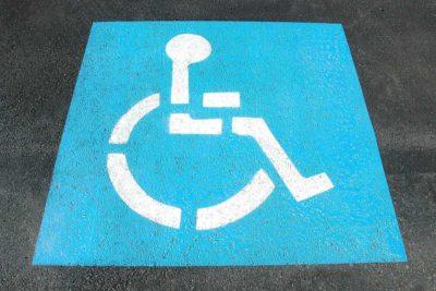 Bodenzeichen Behinderten-Parkplatz